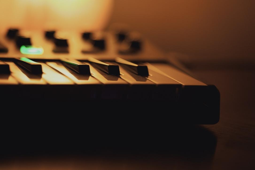 music-1284360_1280